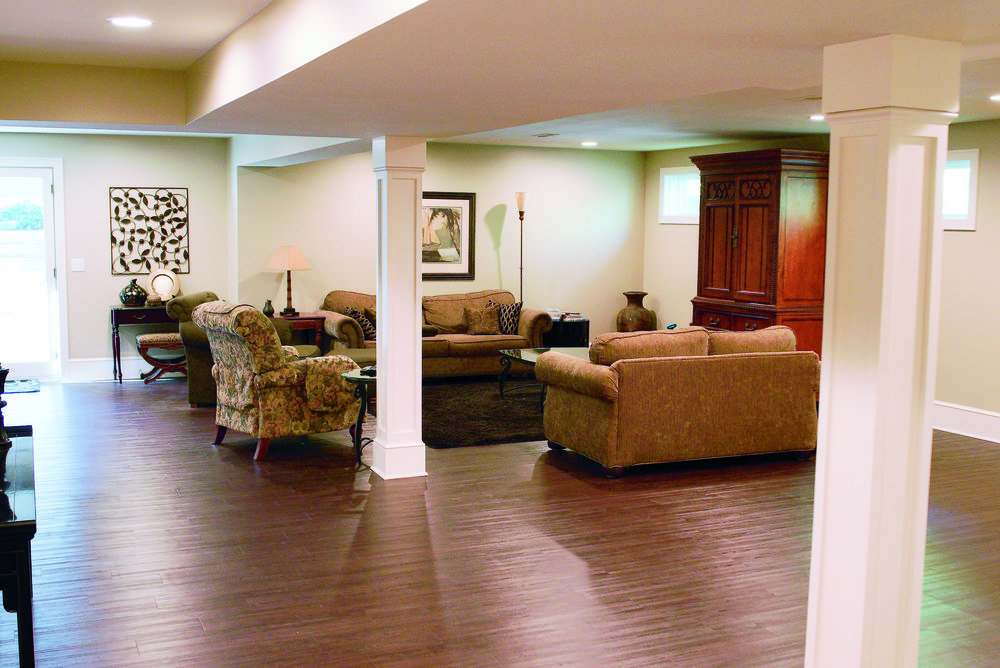 Basement_Living_room_DSC05839.jpg