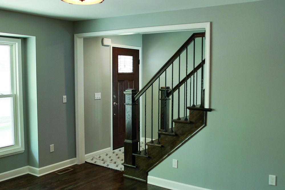 Entrane_Stairs.jpg