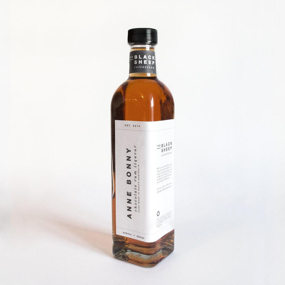 Clean minimalist, bespoke alcohol bottle packaging design.