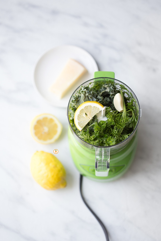 Pesto-in-blender_whole-683x1024.jpg