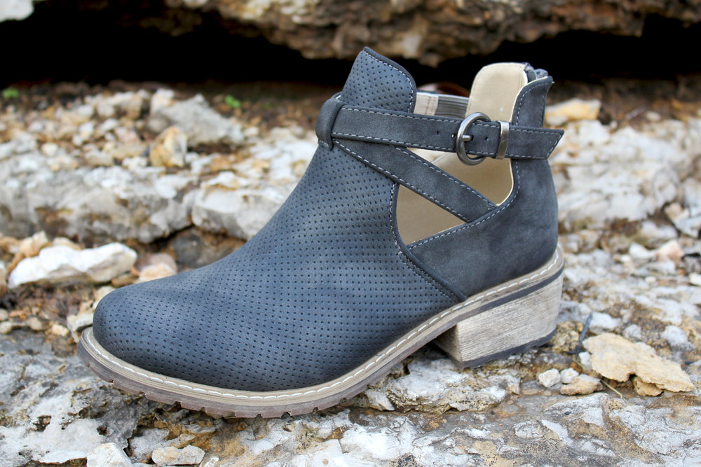 Beacon Kicker bootie