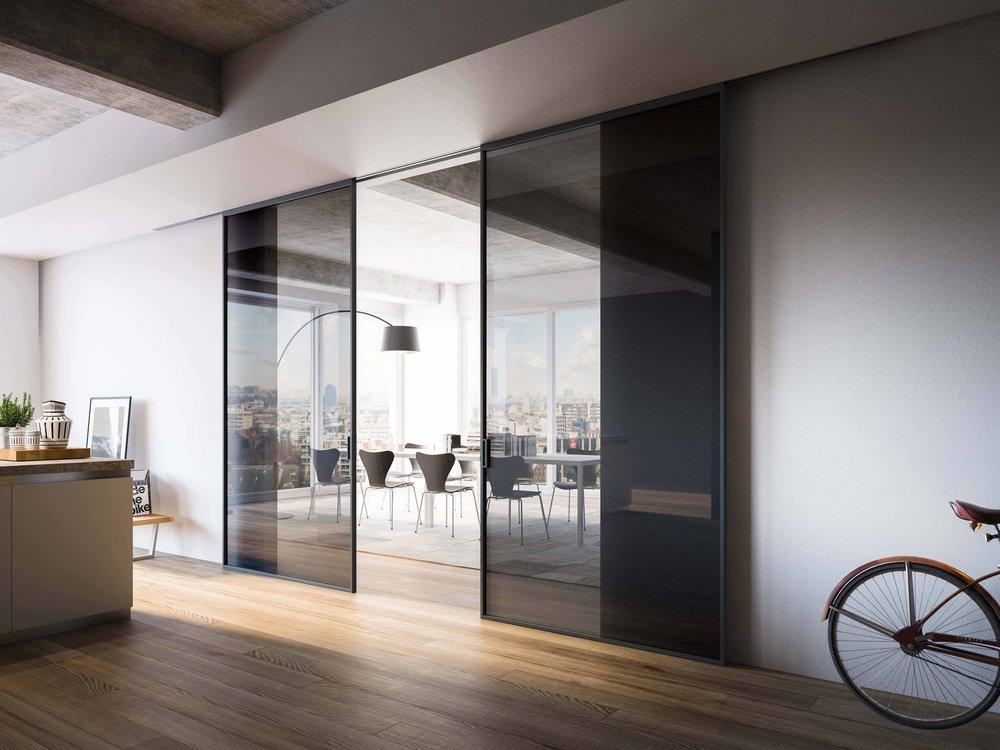 Coulissante double verre fumé rail plafond.jpg