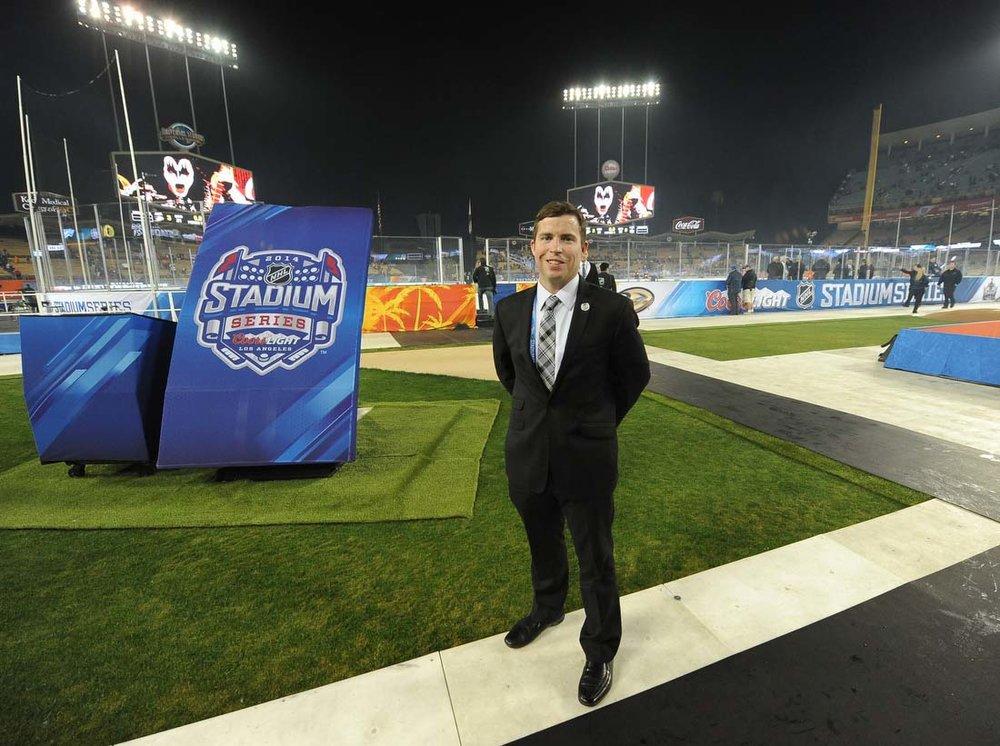 Kelly-Cheeseman-at-dodger-stadium-for-the-stadium-series-hockey-game-2014.jpg