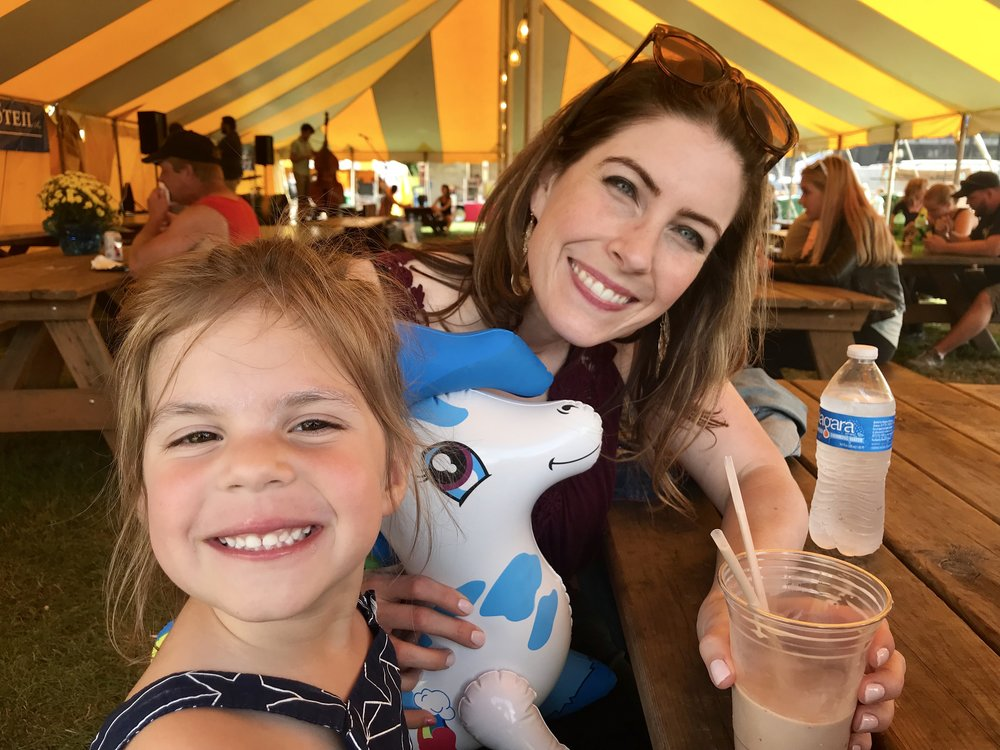 laura and her niece had fun at the fair and found a new friend!