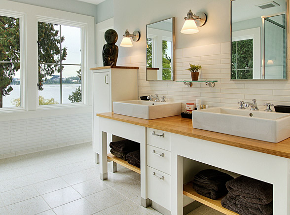 white-tile-bath2-wilson.jpg