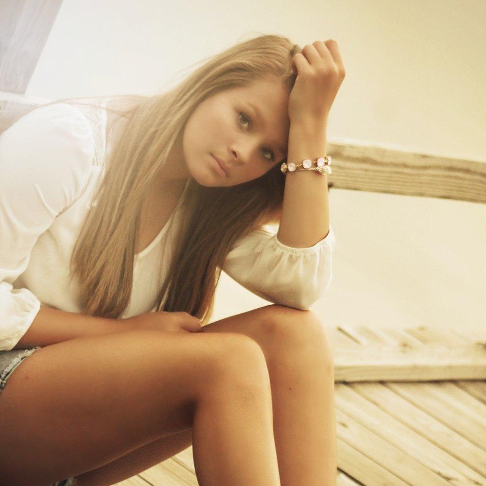 girl-375114.jpg