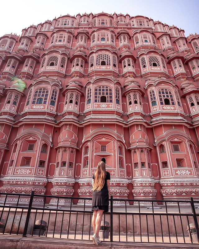 The pink city did not disappoint! We had lots of Lassi, explored the markets, and met the kindest people here. Plus how can you not be blown away by views like this!? 😍💗 . #femmetravel#sheisnotlost#travelinhershoes#travellikeagirl#livetoexplore#travelinspiration#adventureseeker#travelcouple#travelgoals#laptoplifestyle#officeoftheday#earthisrad#india#exploreindia#incredibleindiaofficial#visitindia#rajasthan_tourism #jaipur#jaipurblogger#vloggers