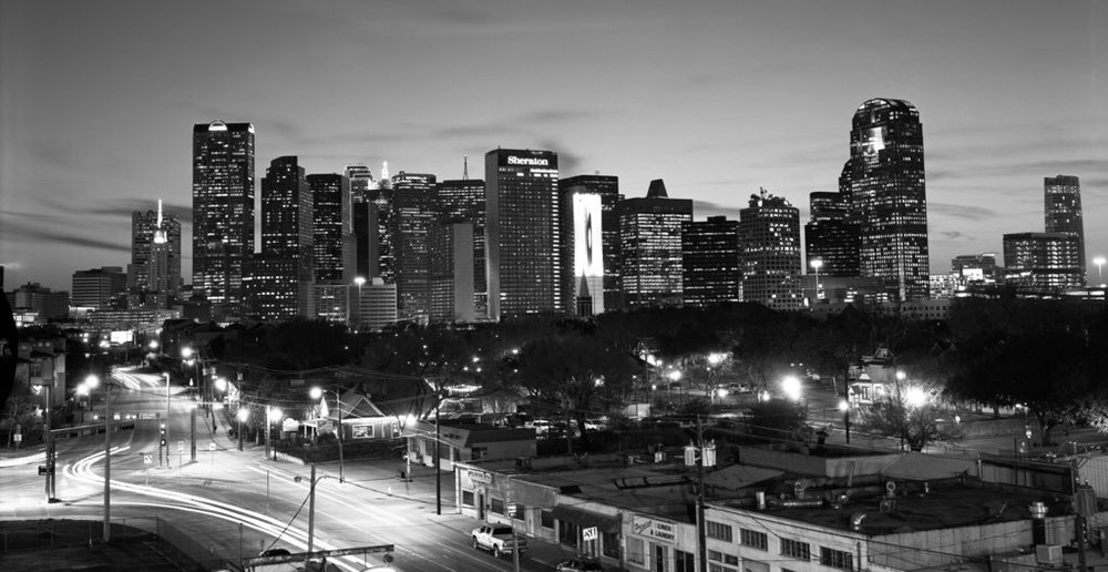 dallas_skyline_black_and_white_by_flyboy627-d8ondjv.jpg