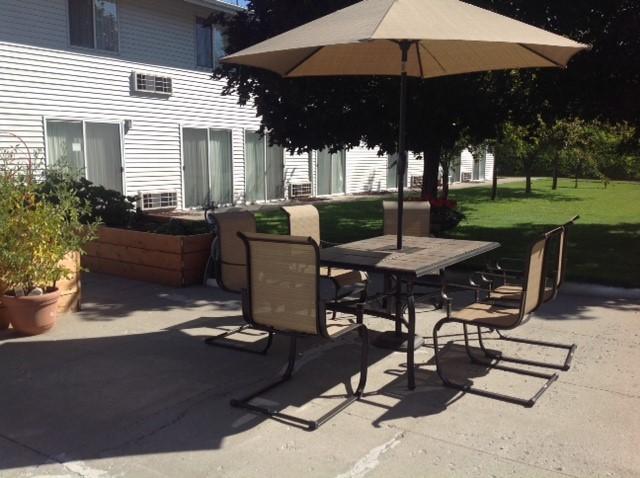 ewal patio photo.jpg