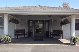 East_Wenatchee_Assisted_Living_WA_-_Entrance.jpg