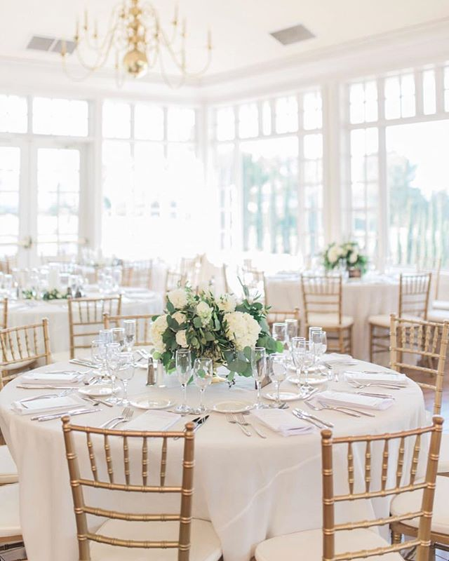 Our reception space is the perfect blank canvas for whatever you are dreaming up ✨ @hellobluephoto @julepbloomdesign @raphaelspartyrentals @itsallhappeningsd @cmrweddings