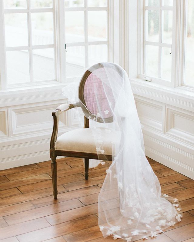 The veil is the ultimate bridal accessory. Photo @agajones . . . . . #wedding #sandiegowedding #ido #weddingvenue #sandiegoweddingvenue #veil #weddingveil #weddinginspo #bridal #bride #bridallook #bridalwear #weddingphotography #carmelmountainranch #weddingdetails #weddingstyle