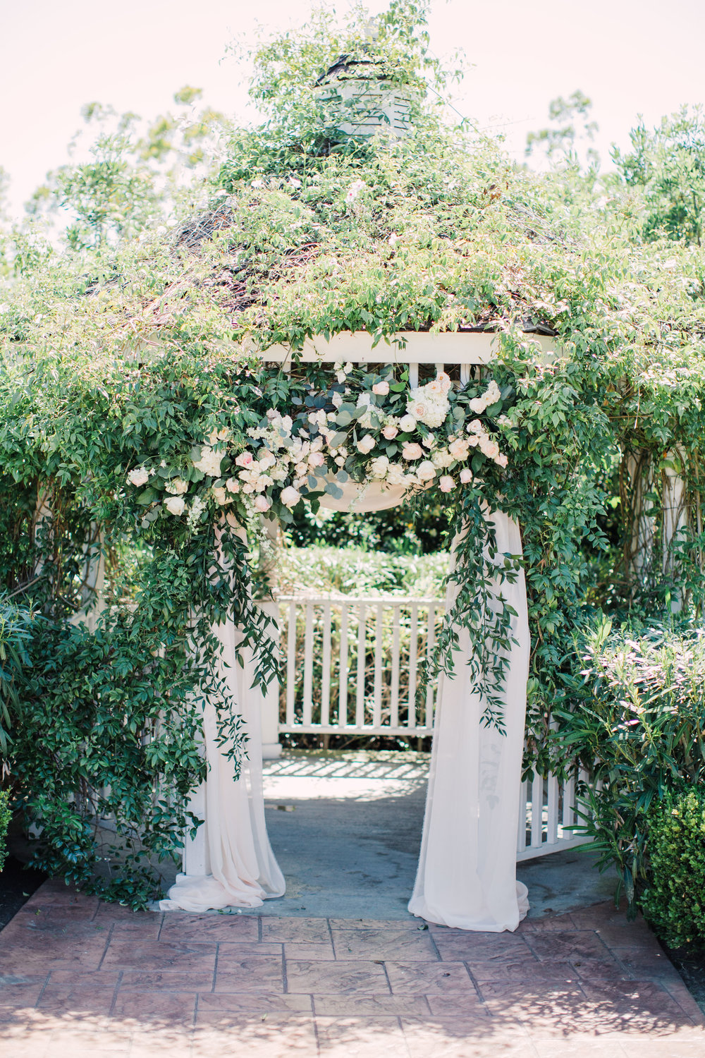 0266_Pacas_Carmel_Mountain_Ranch_Country_Club_San_Diego_California_Wedding_Devon_Donnahoo_Photography (1).jpg