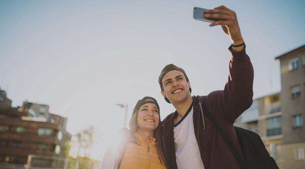 _0005_Couple-Selfie.jpg