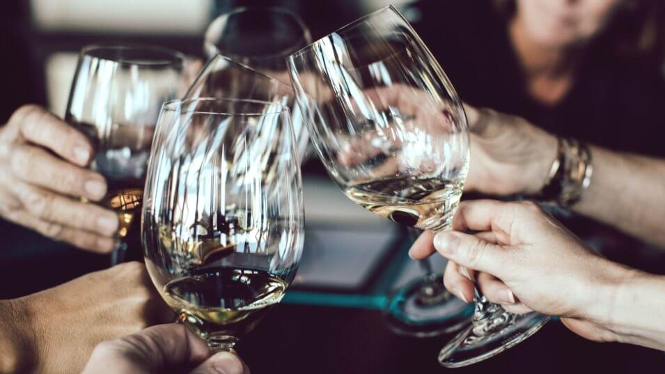 cheers-wine-glasses-scott-warman-525554-unsplash-1024x576.jpg