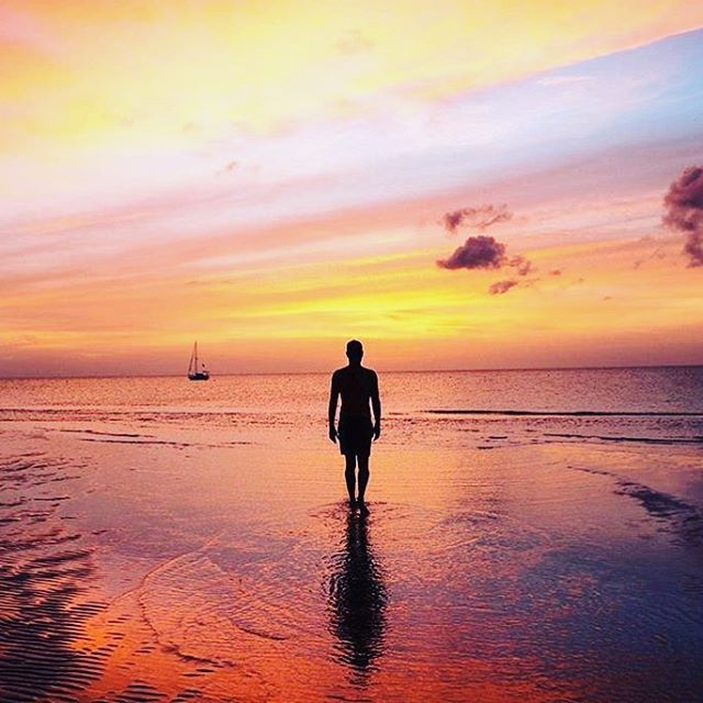 No man is an island, but Holbox is! Make sure you visit there while you're here in Mexico like @richyfeet & @vazaonde did... 🌅🙏🏼🌅