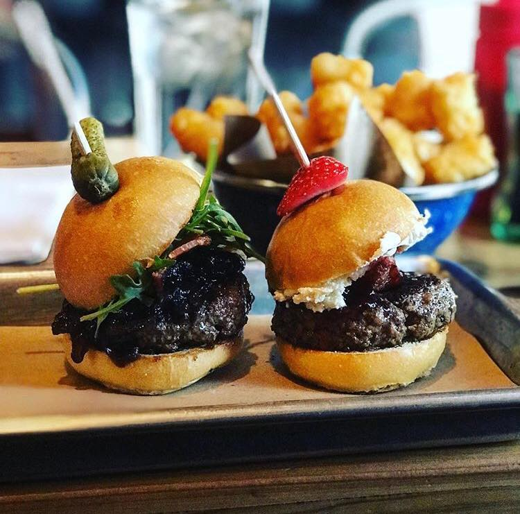 Easy Slider | 2701 Main St. - Open until 11:30 PM during the week, and 1:30 AM on weekends, these delicious petite burgers will hit the spot before heading home. Order the Sweet & Lowdown (bacon, goat cheese, and strawberry jam) and your stomach will thank you in the morning.