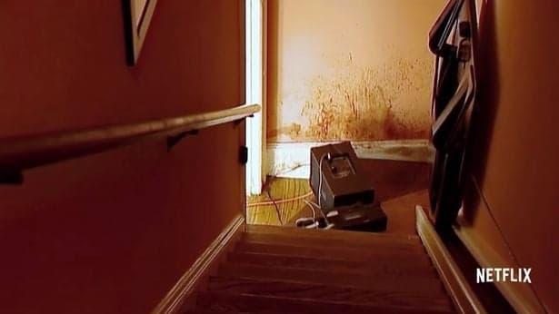 The staircase (crime scene)