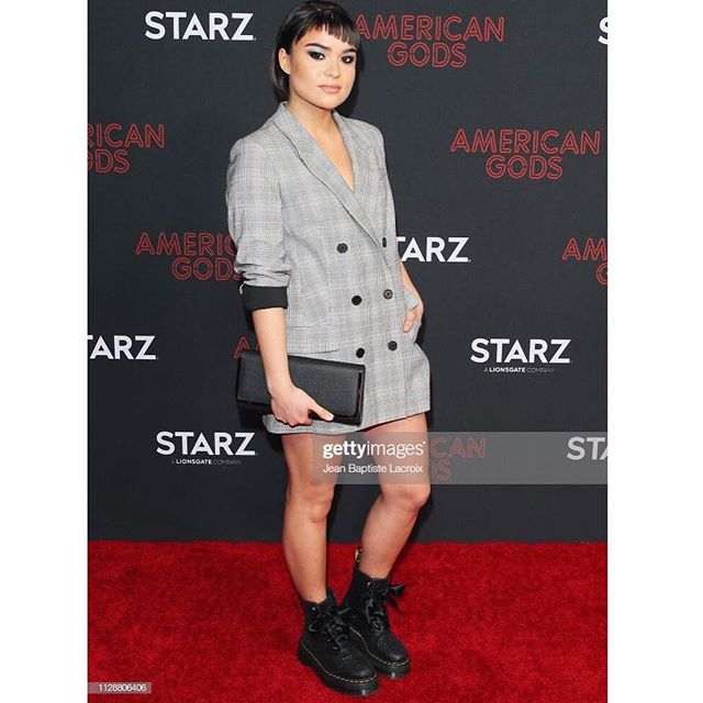 I believe. ❤️ • • From the red carpet premiere of @americangodsus Season 2, airing March 10th on @starz and March 11th on @amazonprimevideo! • • Hair/MU by: @nattiventi • #americangods @fremantlena #samblackcrow #samanthablackcrow #americangodss2 #believe