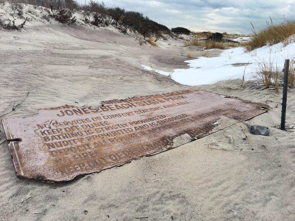Sign in the Dunes @ Jones Beach