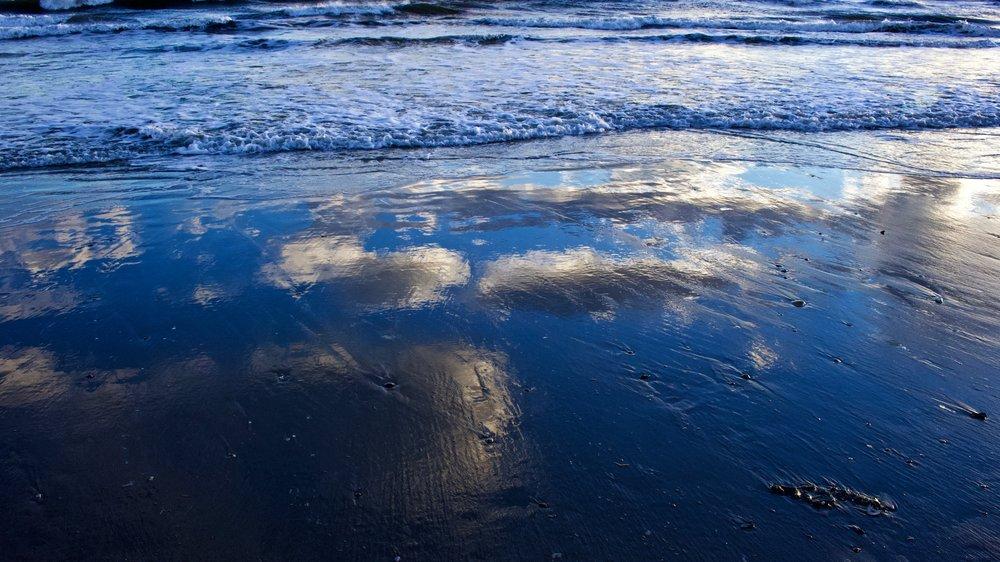 Shore Reflection @ Long Beach