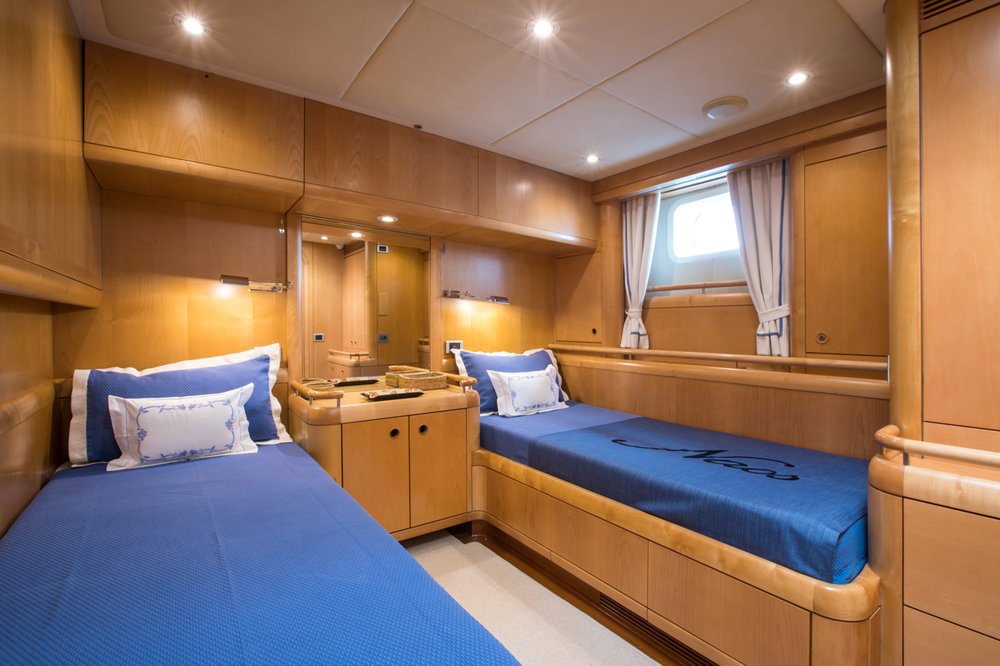 Naos Double Cabin