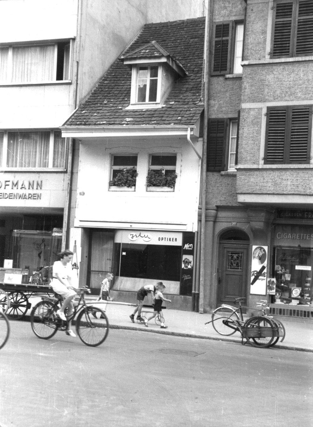 Isler-Optik-Geschichte-Geschaeft.jpg