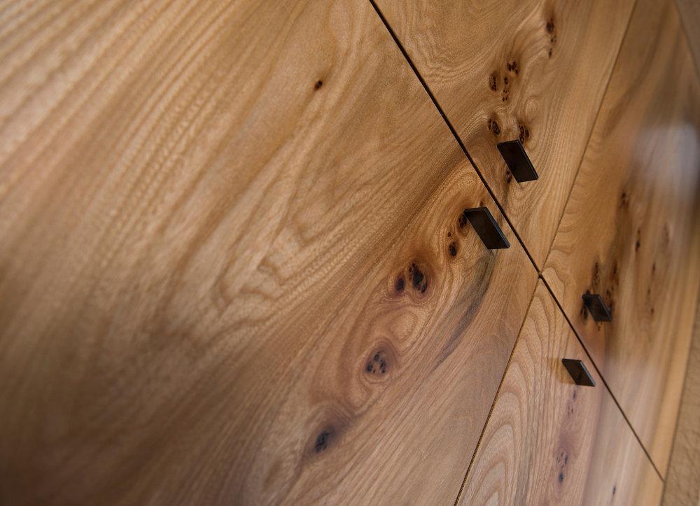 blade door details
