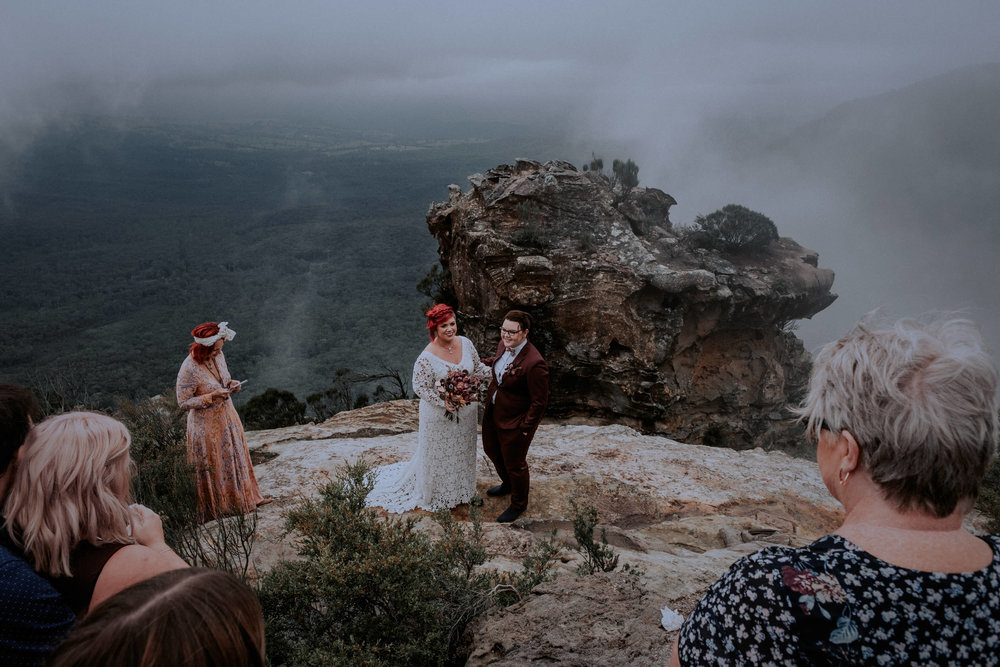 l&m_blue mountains elopement wedding photography_kings & thieves_blog (10 of 38).jpg