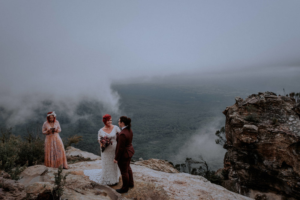 l&m_blue mountains elopement wedding photography_kings & thieves_blog (12 of 38).jpg