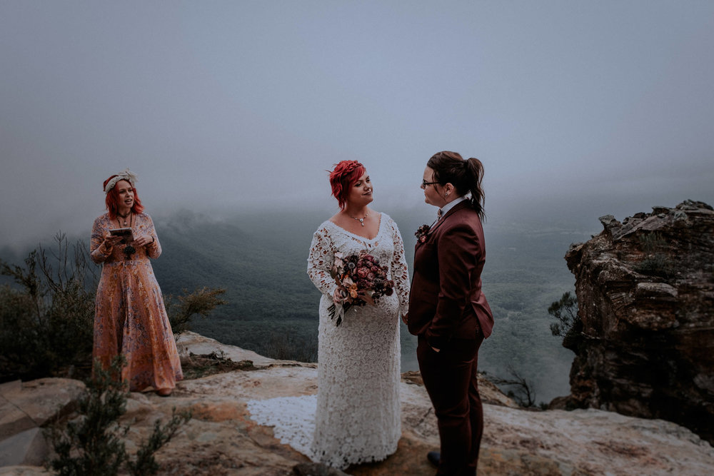 l&m_blue mountains elopement wedding photography_kings & thieves_blog (18 of 38).jpg