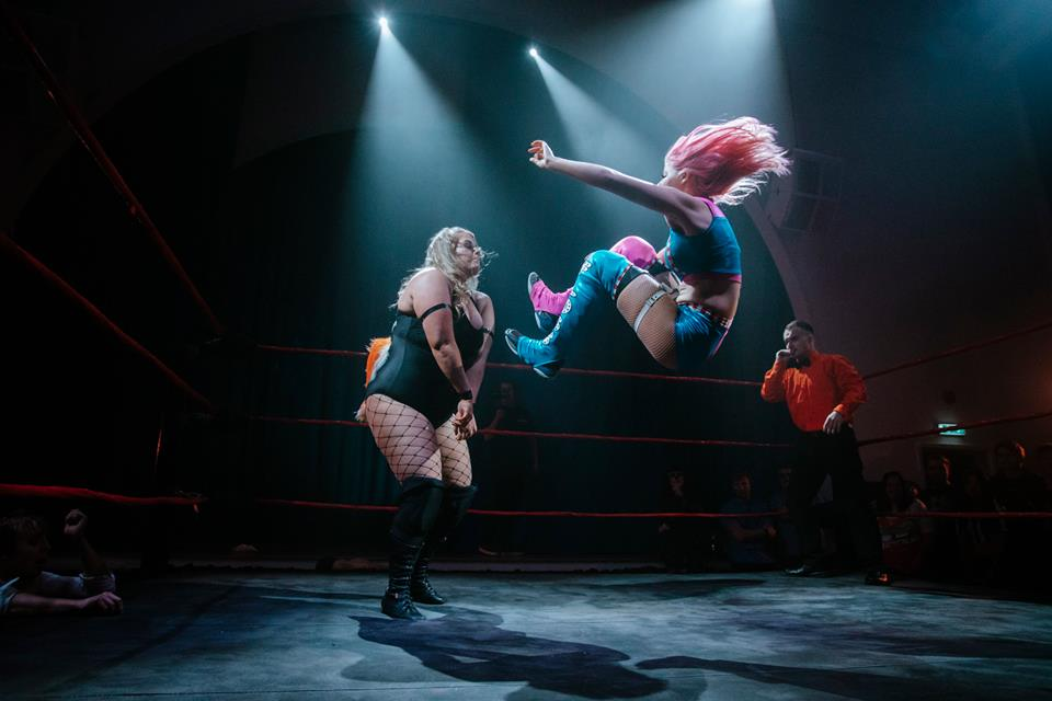 Candy Floss hits Viper with an impressive dropkick at Black Water 2018  (photo: The Head Drop)