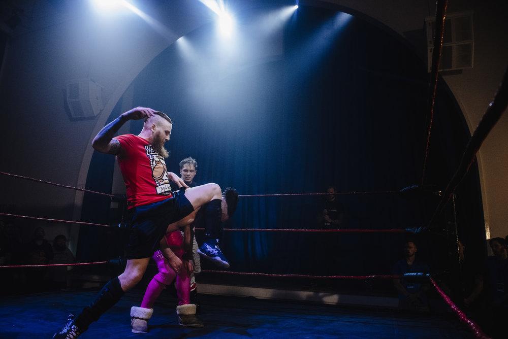 Damon Moser shockingly decimates Jack Sexsmith (photo: The Head Drop)