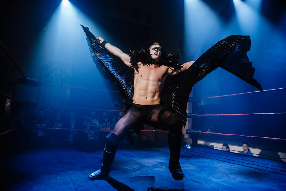 Cara Noir makes his spectacular entrance in his debut at RIPTIDE: The Storm (photo: The Head Drop)