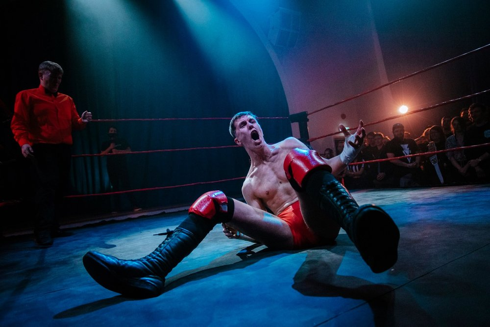 Kurtis Chapman is frustrated during his 'Black Water' clash with Kris Wolf   (photo: The Head Drop)