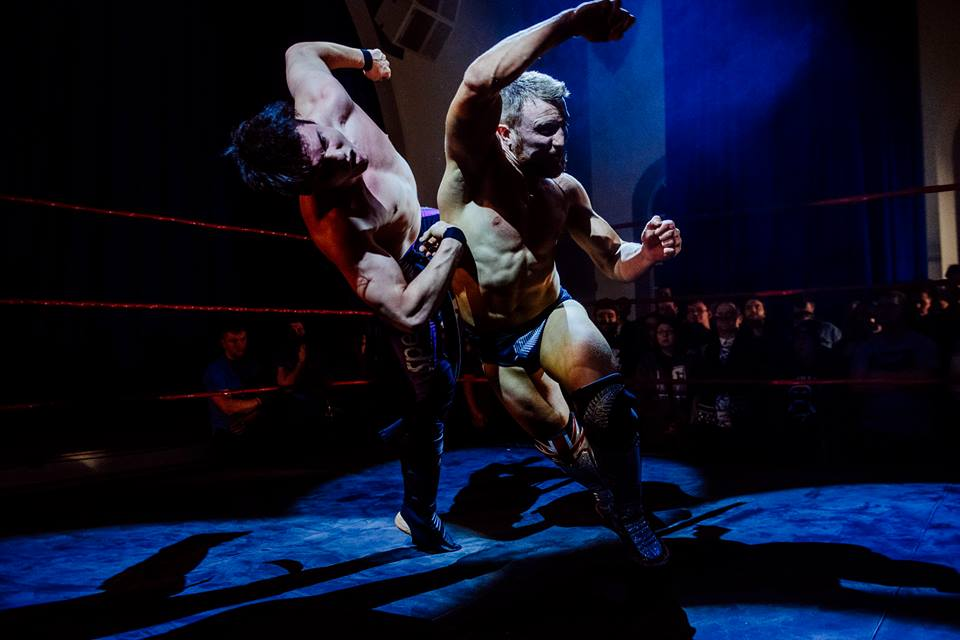 The hard-hitting Travis Banks clatters Speedball Mike Bailey with a ahoryuken during their classic bout   (photo: The Head Drop)