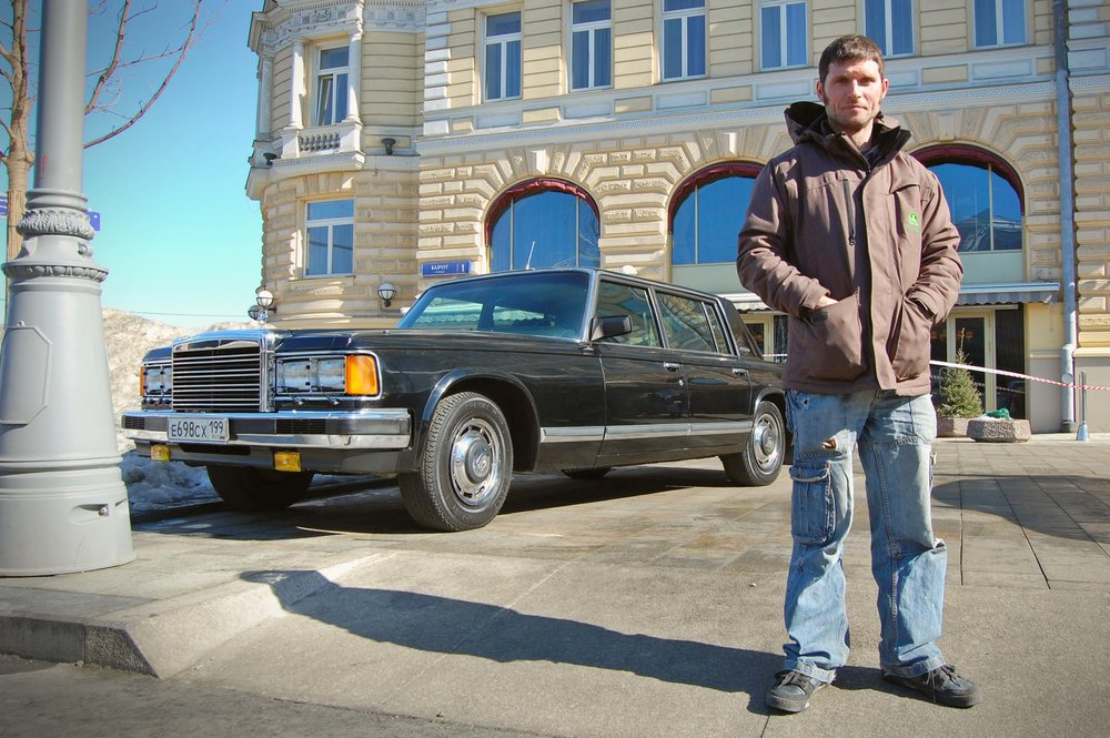 OurGuyInRussia Guy with Presidential Zil Car 050418 NorthOne.jpg