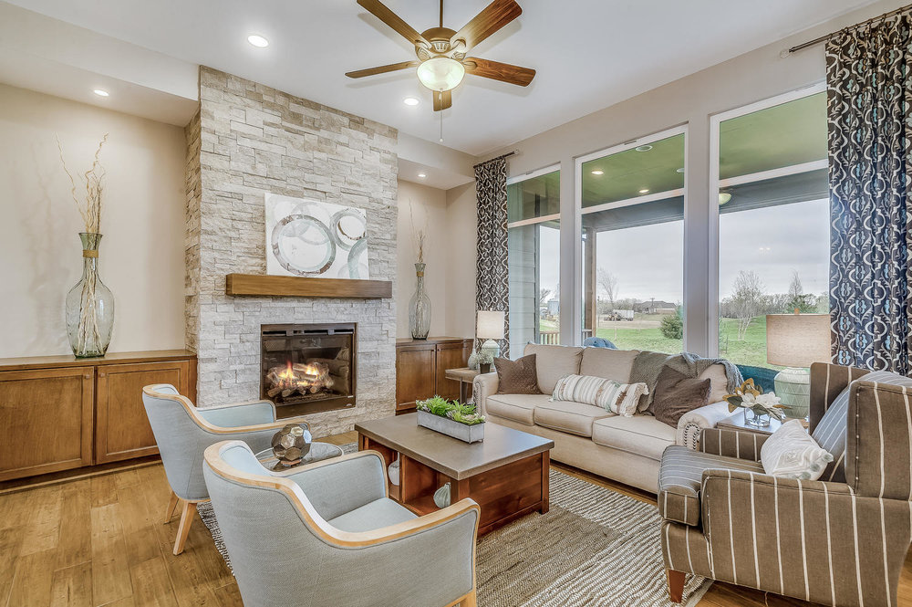 2927 N Gulf Breeze Wichita KS-large-006-5-Living Room-1500x999-72dpi.jpg