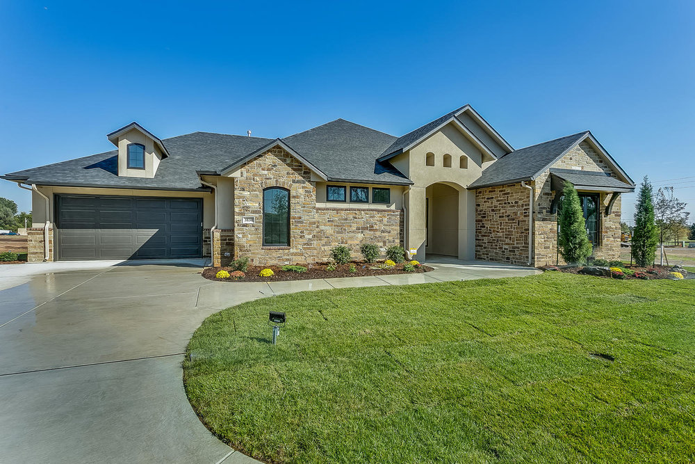 3830 Red Fox Cir Wichita KS-large-002-31-Front Exterior-1500x1000-72dpi.jpg
