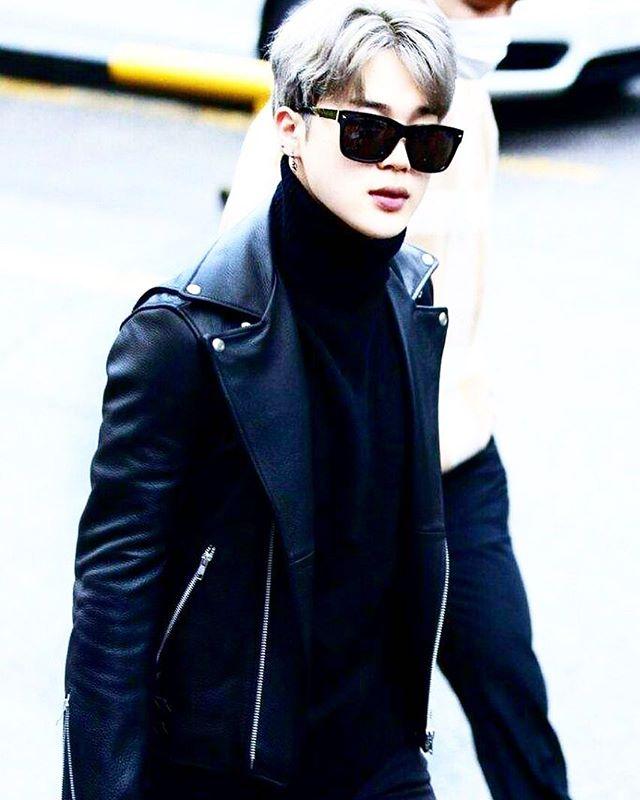 Looks like @btsjimin is wearing @ysl sunglasses 😎