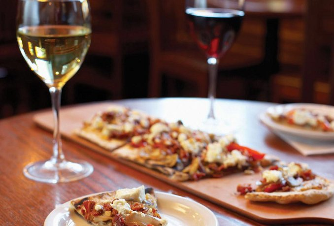 wine_and_flatbread_pizza.jpg