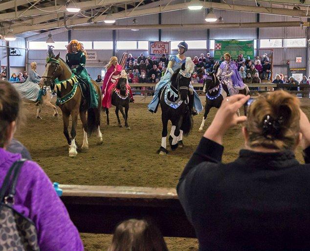 HorseFest-breed-presentation-634x512-photo-by-Al-Susinskas.jpg
