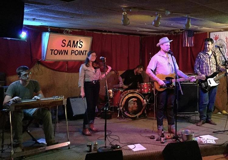 Sam's Town Point, Austin, TX Photo by: @ranchosueno