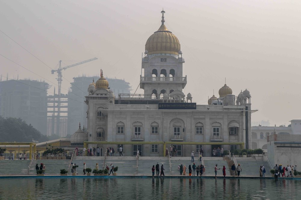 Gurudwara Bangla Sahib in Delhi - the largest Sikh temple in Delhi.
