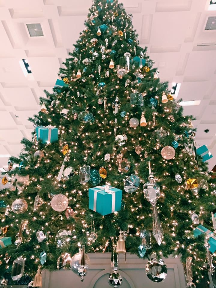 this tiffany christmas tree in store was so big and so incredibly decorated all things tiffany!