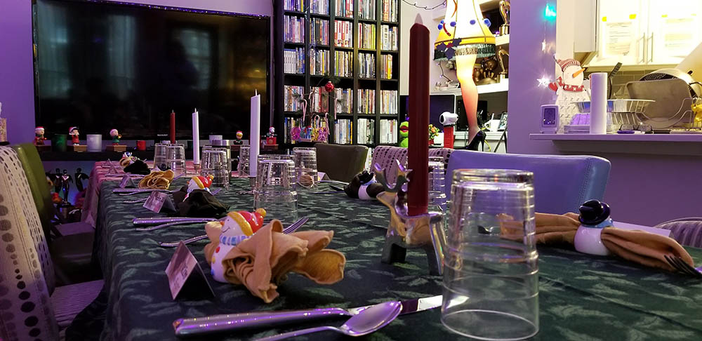 A fun table for 10. We sit guests dinner party style, separating the couples.