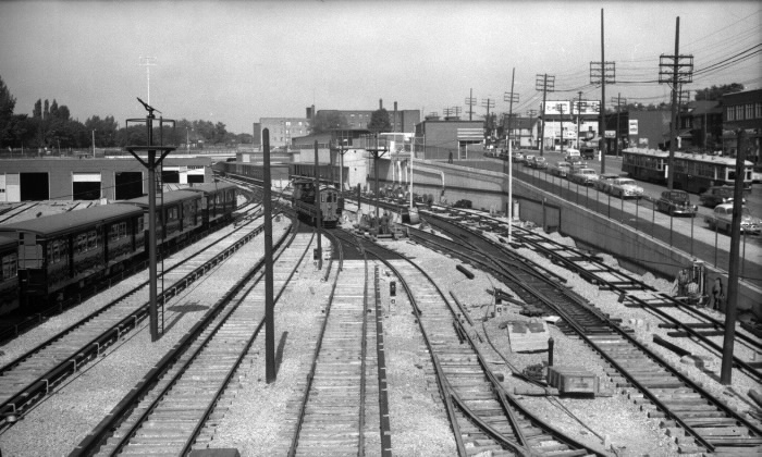 Yonge St. Subway, Davisville Yards, under construction, showing Yonge St., s. of Chaplin Crescent at right - 1953.jpg