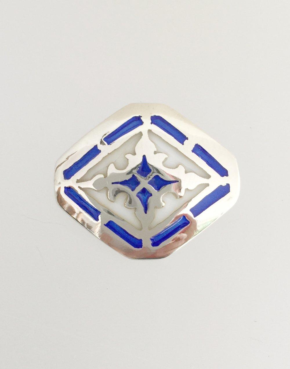 Softened Edge Diamond Blue/White