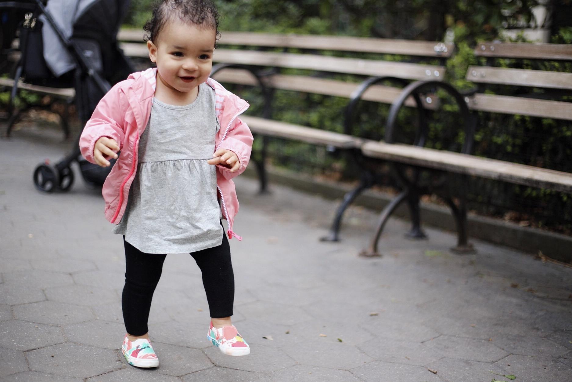 14 month milestones, zara baby, baby gap style, baby milestones, baby outfits, baby update, mom life baby update