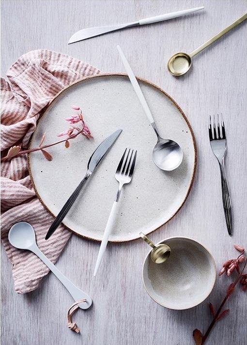 Dinner plate by Splendid Wren Ceramics.
